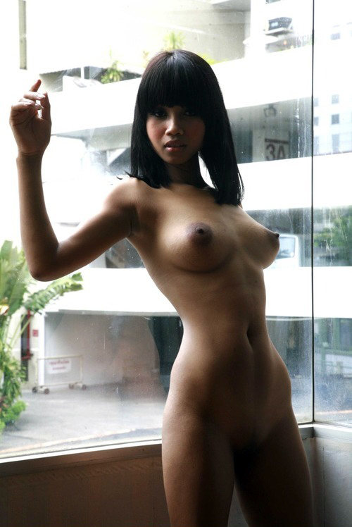 Asiatin nackt aus Kambodscha